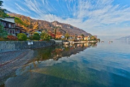 Waterfront Il Cigno del Lago- superb lake views, private harbor & lush grounds - Image 1 - Lake Como - rentals