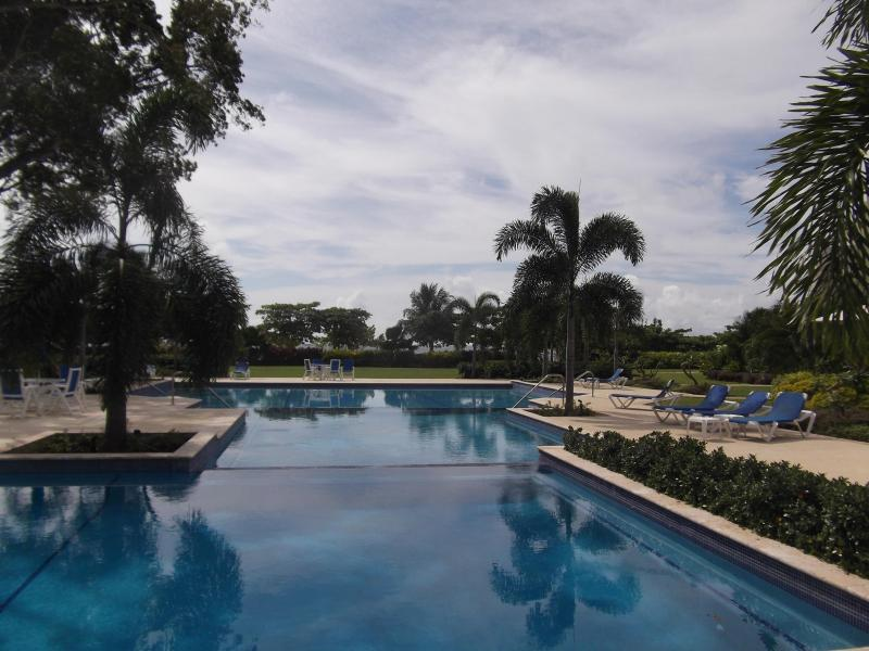Palm Beach, Large new  3 bed, Pool ,on the beach! - Image 1 - Christ Church - rentals