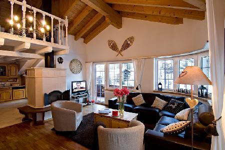 2 min to ski lift! Catered duplex attic chalet apartment Carmen with shared sauna & hot tub - Image 1 - Zermatt - rentals