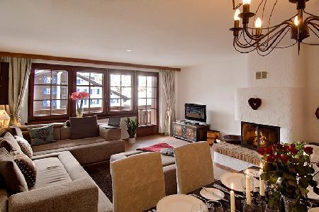 Cozy luxury chalet Venus with wood fireplace, balcony & mountain views only 3 min to ski lift - Image 1 - Zermatt - rentals