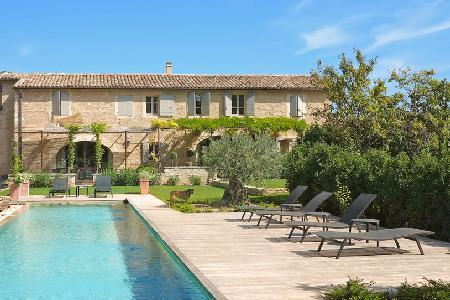 Authentic Provencal Farmhouse - St Marc features infinity pool & a host of luxurious amenities - Image 1 - Gordes - rentals