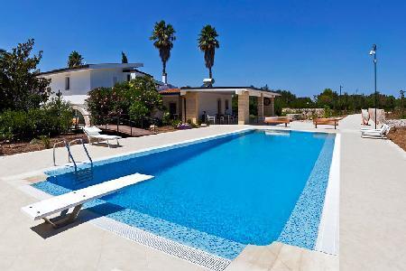 Tenuta Torrevento - Villa with pool, alfresco dining, close to beaches & picturesque villages - Image 1 - Casarano - rentals