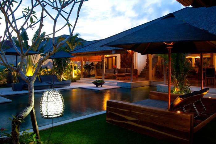 Villa Hitu by night - CALM AND LUXURY  IN HEART OF SEMINYAK / 5 BD - Seminyak - rentals