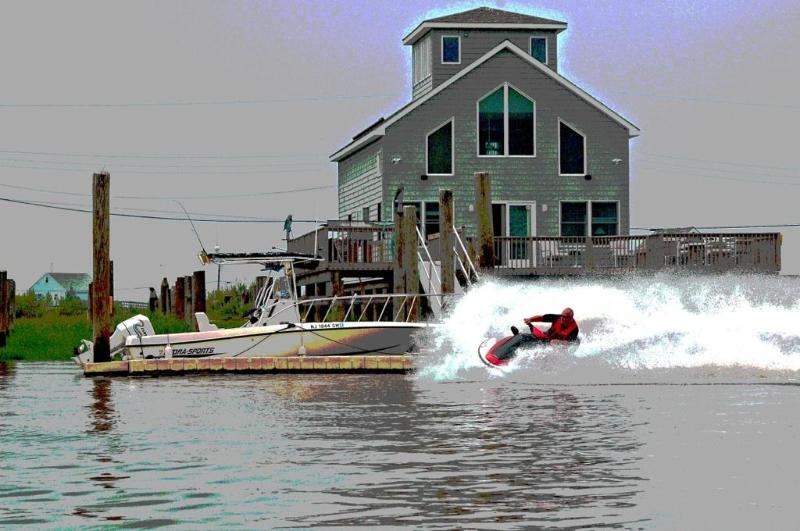 Cleaning the docks! - Bay Point, Something completely different on the w - Cedarville - rentals