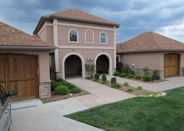 Front of Villa - Tuscany Hills-3 bedroom/2 bath villa located at Branson Creek! - Hollister - rentals