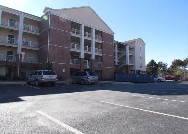 Front of Building - Payne Stewart-Luxurious, 3 Bedroom, 3 Bath Condo - Branson - rentals