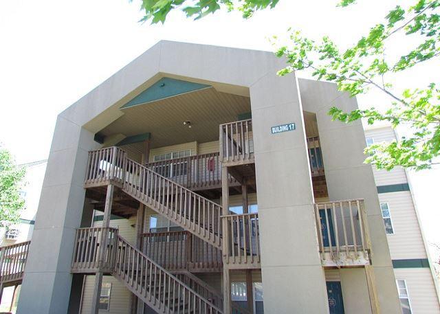Front of Condo Building - Beached at the Bay- 2 Bedroom, 2 Bath Condo near Silver Dollar City - Branson - rentals