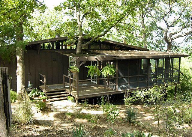 Our Place in the Woods - Our Place in the Woods- Private 3 Bedroom Cabin near Lake and SDC - Branson - rentals