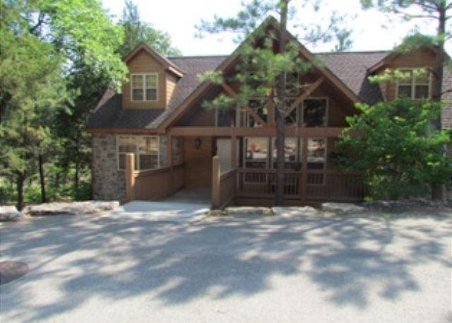 Front of Lodge - River's Creek- Spacious, Pet Friendly, 4 Bedroom, 4 Bath Stonebridge Lodge - Branson West - rentals