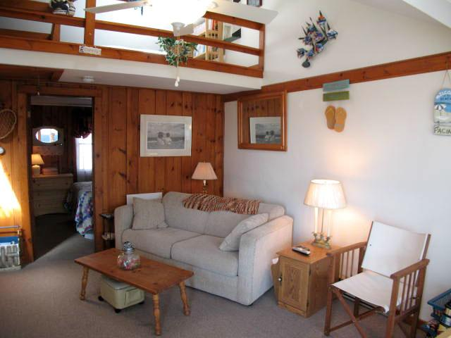 Living Area - Across from Glendon Beach affordable 2 Bedroom - DE0514 - Dennis - rentals