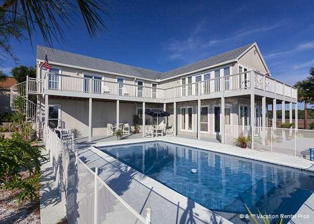 Buccaneer Retreat is big and grand! - Buccaneer Retreat, 6 Bedrooms, Private Pool, Boat Docks, Events - Jacksonville Beach - rentals