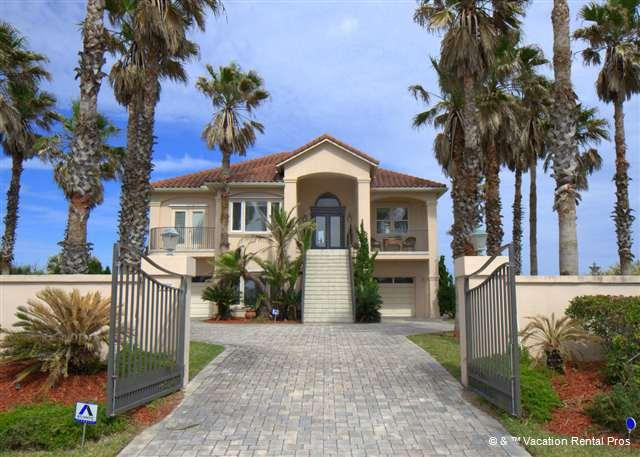 Drive through the gates and begin the vacation of a lifetime! - Verona by the Sea, Luxury 4 Bedrooms, BeachFront, HDTVs, Diamond - Palm Coast - rentals