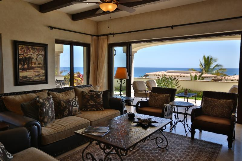 Wonderful 3 BD Condo with stunning ocean views! - Image 1 - San Jose Del Cabo - rentals