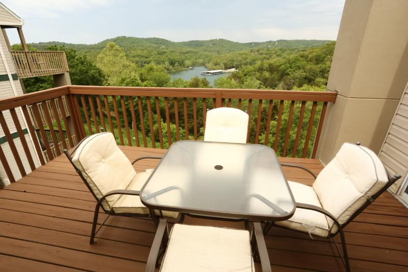 Branson Condo Rental | Eagles Nest | Indian Point | Silver Dollar City | Penthouse (0610605) - Image 1 - Branson - rentals