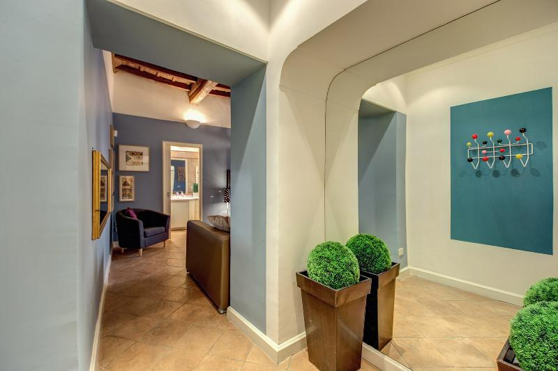 Elegant and Charming Navona Square Apartment - Image 1 - Rome - rentals