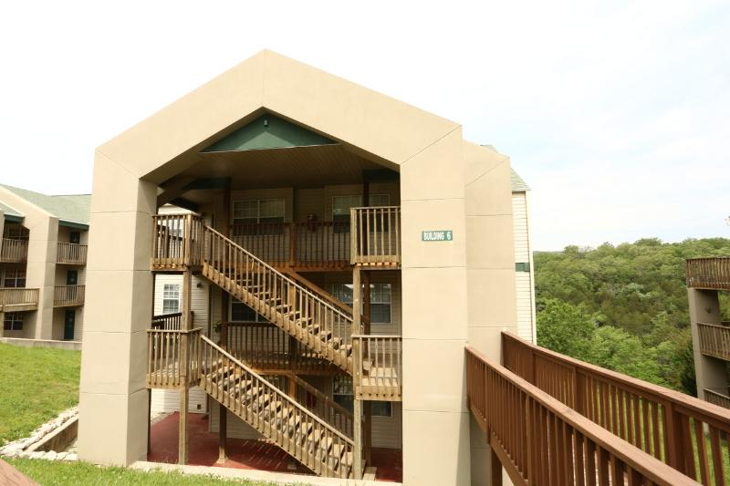 Branson Condo Rental | Eagles Nest | Indian Point | Silver Dollar City | Walk-in (0610603) - Image 1 - Branson - rentals