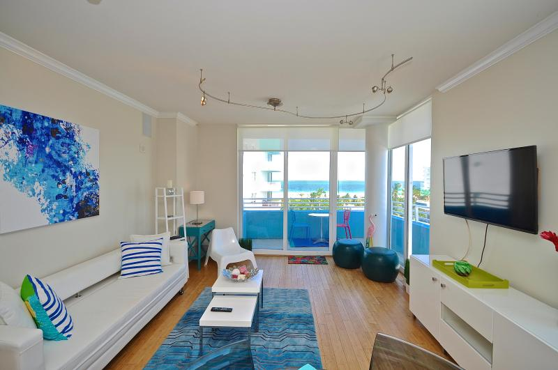 Gorgeous views form the living room - Breathtaking Ocean Views- 2 BD South Beach SoFi - Miami Beach - rentals