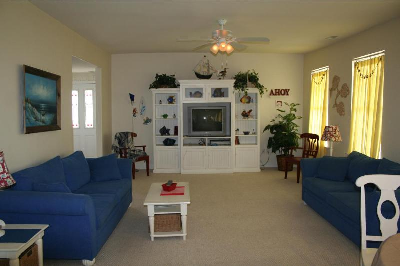 Huge Living Room - Best location -last minute july specials ! - Wildwood - rentals