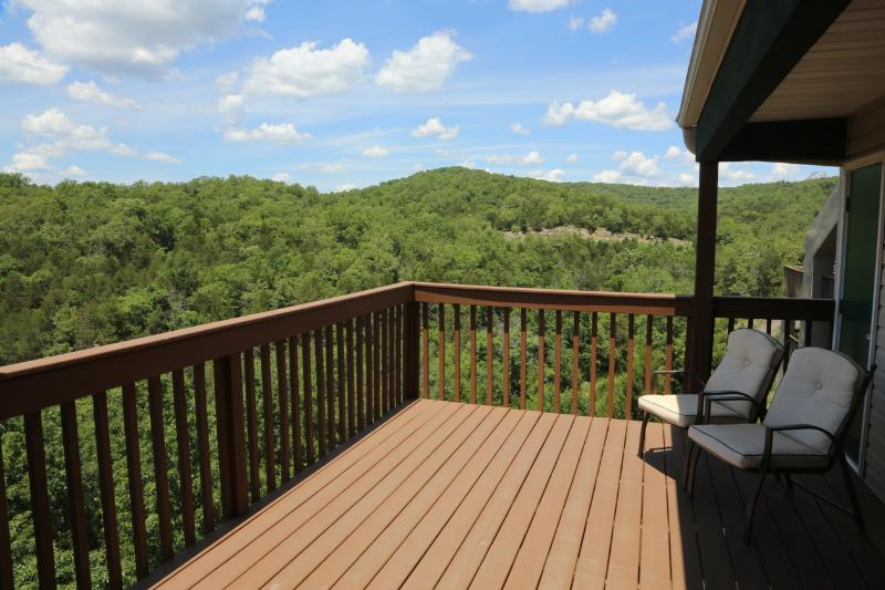 Branson Condo Rental | Eagles Nest | Indian Point | Silver Dollar City | Lake Views (0610606) - Image 1 - Branson - rentals