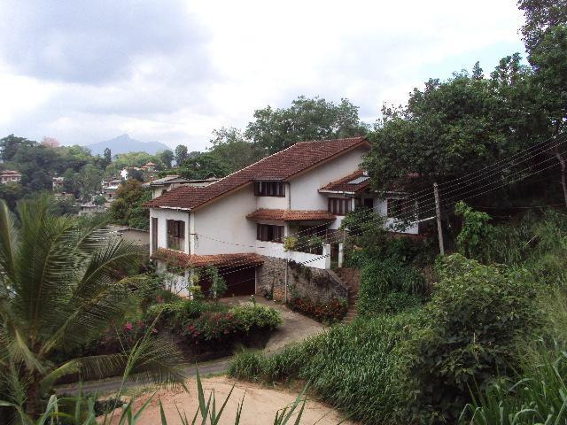 Front view of the Gladmanit - Gladmanit Homestay Apartment - Kandy - rentals