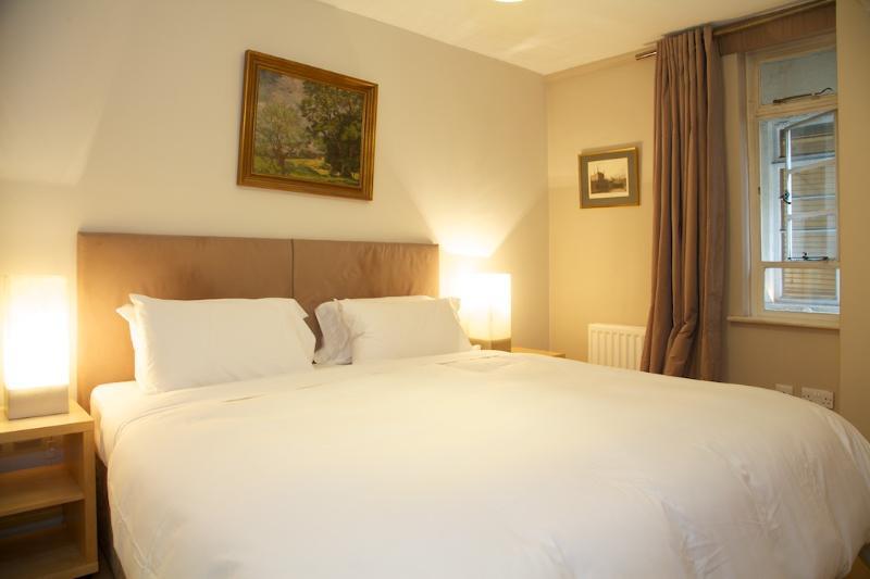 Bedroom - Nell Gwynn House, Sloane Avenue, Chelsea, SW3. - London - rentals
