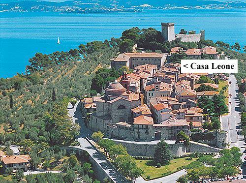 Casa Leone is within the walled old town of Castiglione del Lago. - Casa Leone Italy - Castiglione Del Lago - rentals