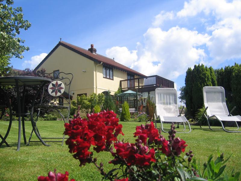 Ty Castell Home of the Kingfisher- 4 star bed and breakfast in the Towy valley Carmarthen, Wales, UK - Ty Castell Bed & Breakfast -Home of the Kingfisher - Carmarthen - rentals