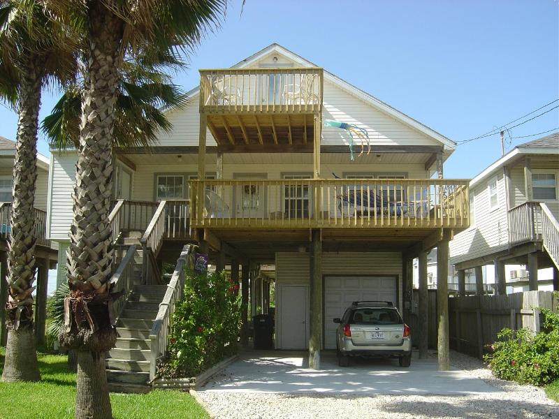 Front of house - Seaview Island Getaway - Galveston - rentals