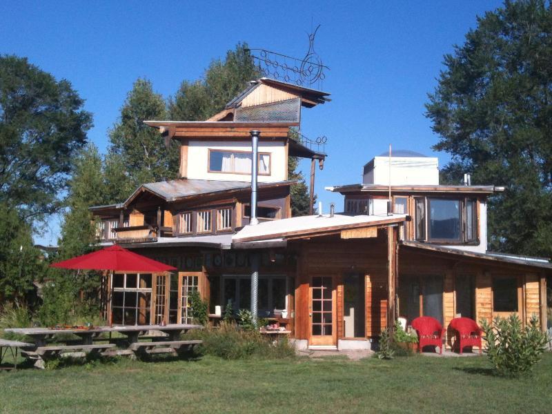 Springwild House - SpringWild Lush Oasis-Mountain View - Taos - rentals