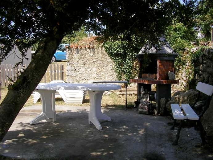 terrace with bbq - Typical french cottage - heart of touristic aera - Pont l'Abbe d'Arnoult - rentals