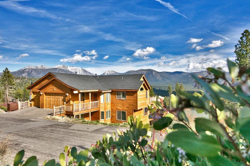 6 bedroom Luxury home w/Indoor Pool- April/May - Image 1 - South Lake Tahoe - rentals