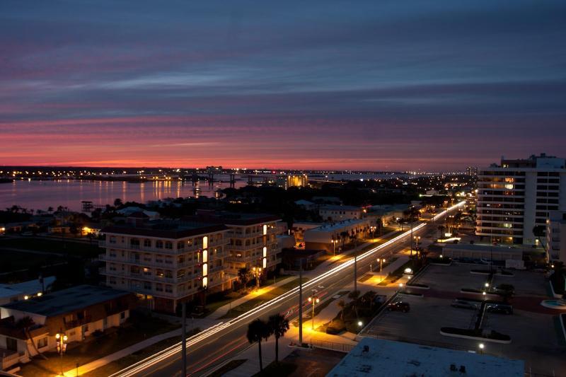 Amazing sunset view - Condo $pecials - Sanibel#1101 - Ocean View - Daytona Beach - rentals