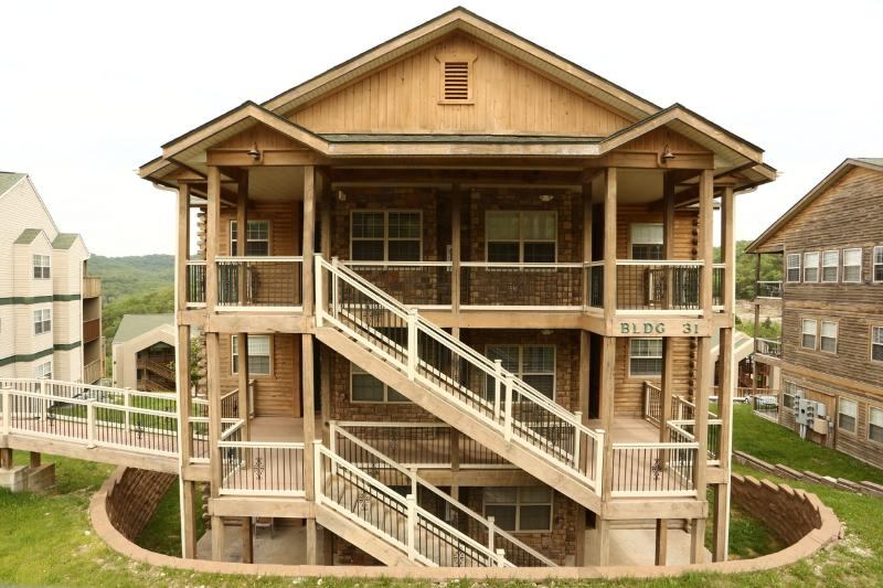 Walk-in | Fireplace | Pool | Hot Tub | Near Silver Dollar City (3110604) - Image 1 - Branson - rentals