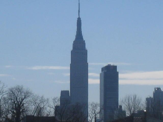 Empire state building Views from deck  and kitchen - One Bus Stop to Time Square 2beds/1bath,Deck $99/N - Weehawken - rentals