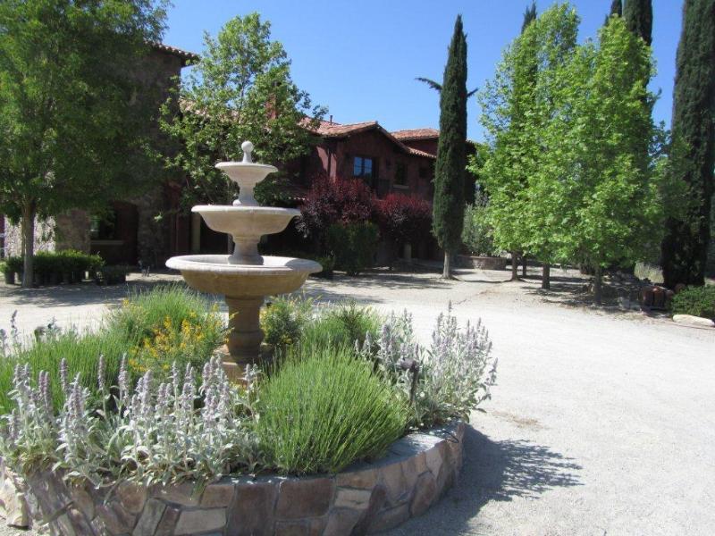 Front Villa San Giovanni - Villa San Giovanni-B&B - Paso Robles - rentals
