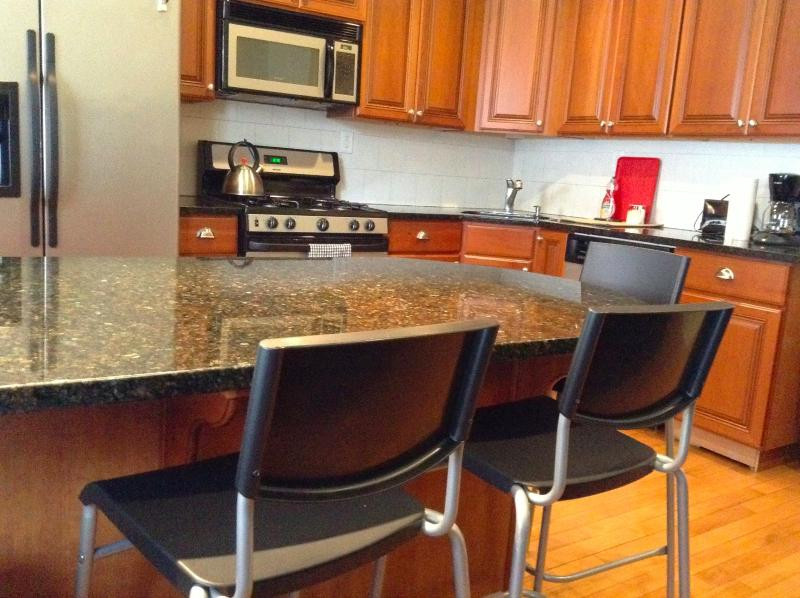 Self Catering Huge Flat 15 minutes to Times Square - Image 1 - Union City - rentals
