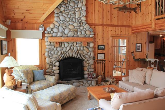 Main Living Room - Rustic Feel with Contemporary Flare - Empire - rentals