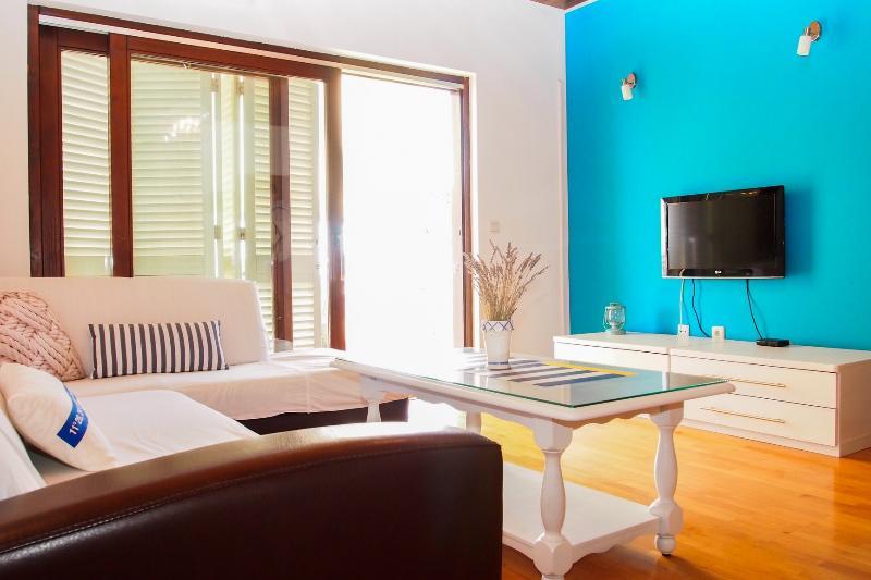 Apartment Ljubo 6+2 - Image 1 - Makarska - rentals
