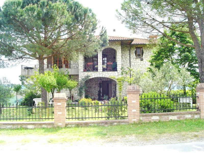 Welcome to Casa Julian - Casa Julian Holiday Apartments - Gioiella - rentals