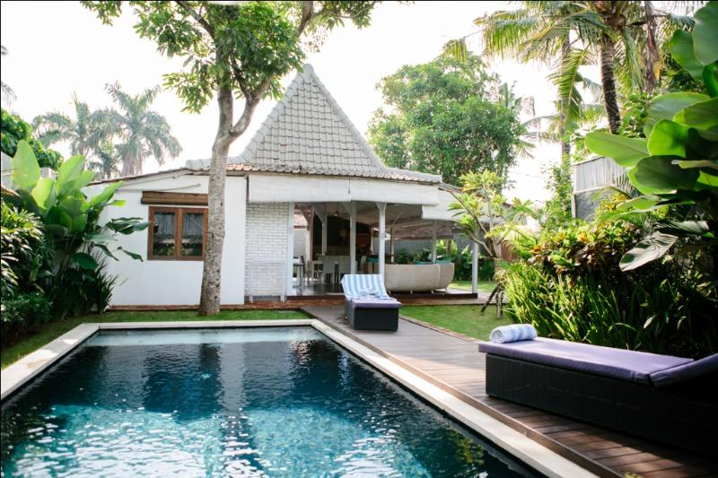 View of the villa from the private pool - Nice and quiet Villa BALINESE Limasan 4pax - Canggu - rentals