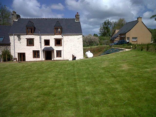 4 B/R house with garden -Pleslin Trigavou. D005 - Image 1 - Tremereuc - rentals