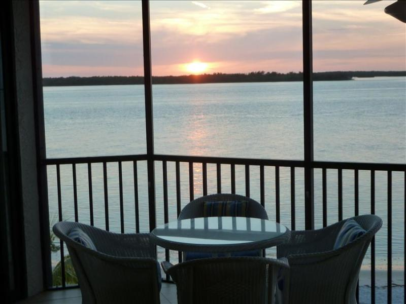 Bay View Tower #235 - Sanibel Harbour Resort - Image 1 - Fort Myers - rentals