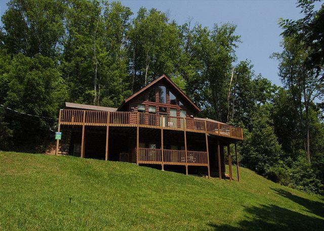 Life of Luxury - 8 Bedroom Private Log Cabin Lodge in The Smoky Mountains for Large Groups - Gatlinburg - rentals