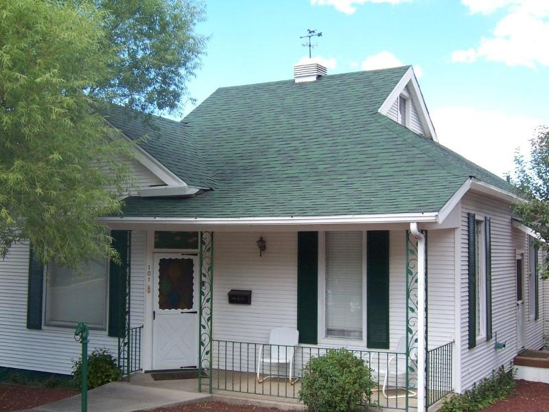 Front - Century House - Williams - rentals