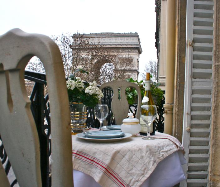 Take in incredible views of the Arc de Triomphe - *10% OFF AUGUST* Luxury Flat Overlooking the Arc - Paris - rentals