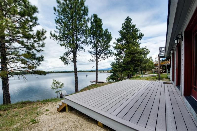 Private dock, beach access, lakefront getaway w/ a sauna! - Image 1 - Donnelly - rentals
