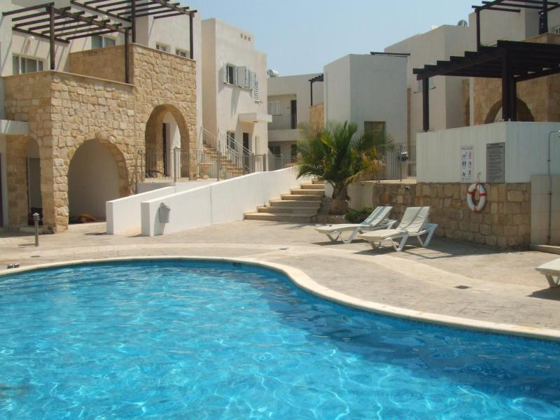 The Pool Area - Luxury 2 Bed Apartment, Peyia, Coral Bay, Paphos - Peyia - rentals