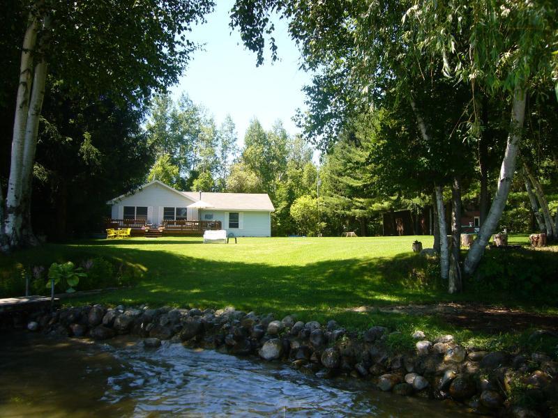 The Hideaway on Lake Leelanau - The Hideaway on Lake Leelanau - Cedar - rentals