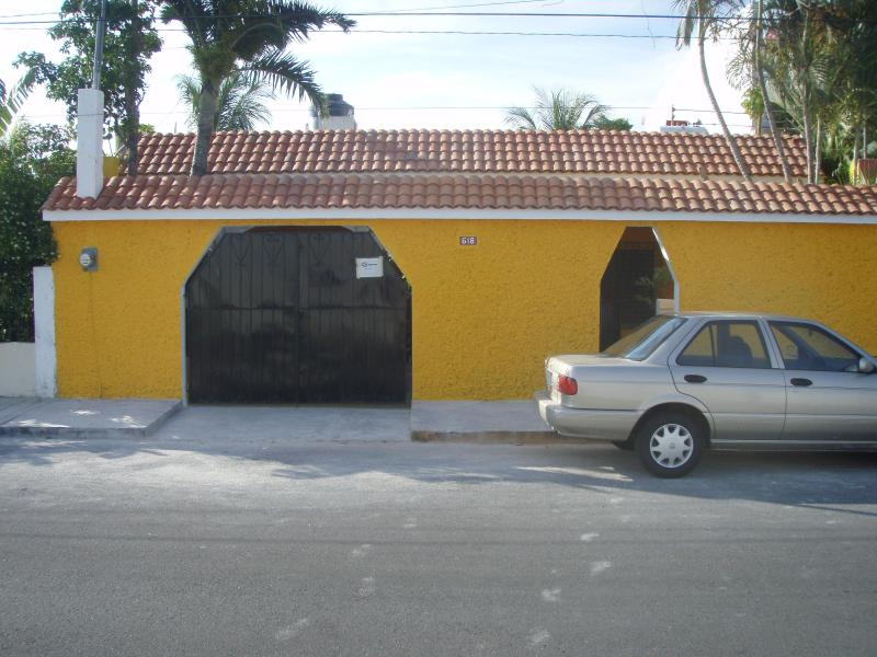 street side of casa - Beautiful Casa with pool on Cozumel - Quintana Roo - rentals