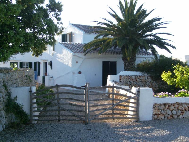 House front side - Villa Rafael - Sells - rentals